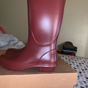 USA Size 7 women SHELBY MATTE tall Ugg boots